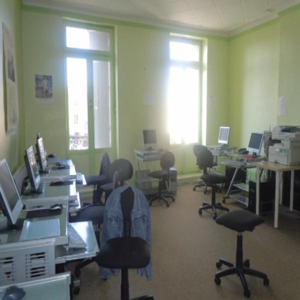 Location Immobilier Professionnel Local professionnel Créon 33670